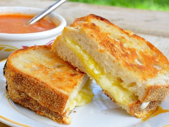 Grilled cheese sandwich with tomato soup. (Photo credit)