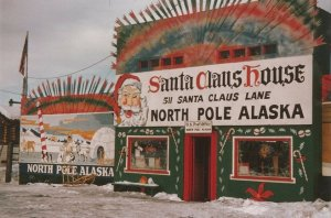 Santa Claus House in North Pole, Alaska, a store that's a major stop for families driving through. (Source: San Diego Reader.)